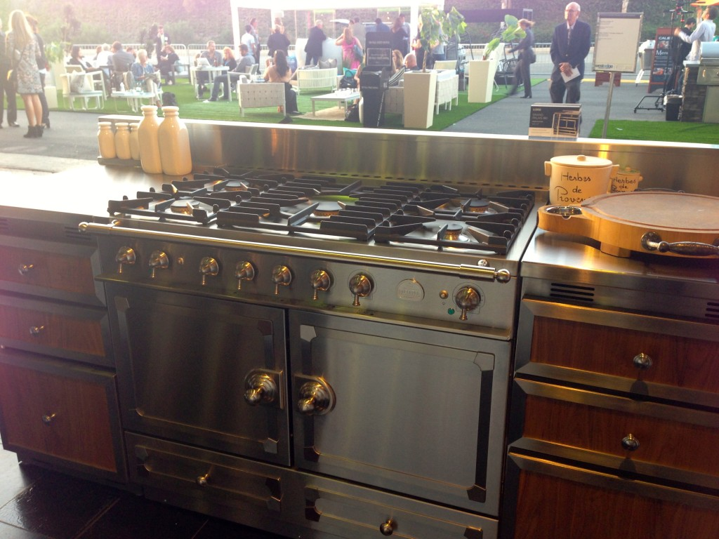 no better range for the french country kitchen of my dreams